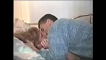 Одна из самых глубоких ртов порнхаба показывает высший пилотаж в заглоте хуя