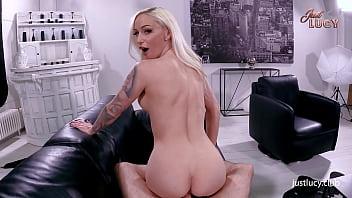 Девка на порно пробах ебется и тащится от грубости