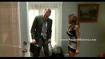 Сисястая девушка бурно порется с охранником после вечеринки в клубе
