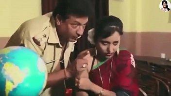 Девушка моется со своим молодчиком, чтобы доставать от него нестандартный трах