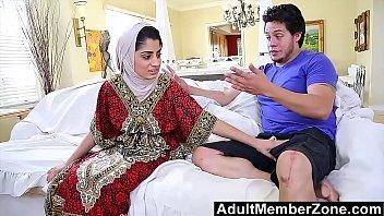 Невеста привязала молодчика во времячко дрючили